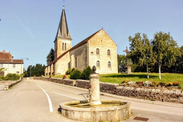 Beaufort Jura. L'église.
