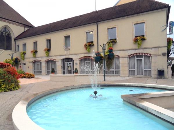 Photo Bletterans - Mairie de Bletterans Jura.