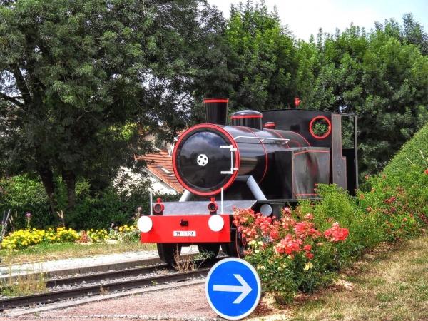 Photo Chaussin - CHAUSSIN Jura. Rond-point route du Deschaux. Juillet 2018.