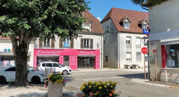 Photo Chaussin - Chaussin Jura, été 2021. centre ville B