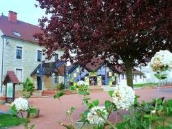 Photo paysage et monuments, Commenailles - Commenailles-Jura-Place centrale-3.