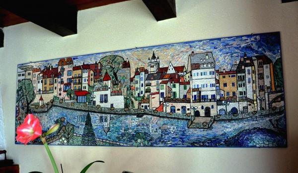 DOLE Jura: le canal des tanneurs,mosaïque en émaux de Briare.