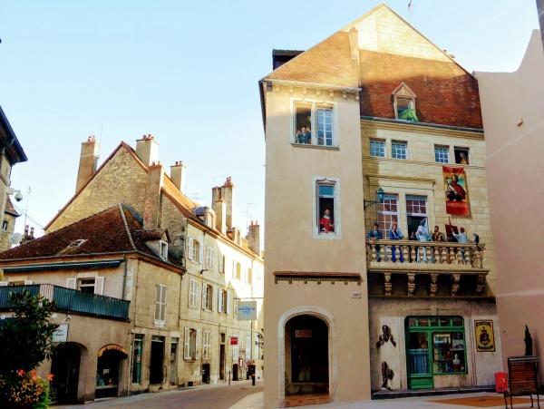 Photo Dole - Dole Jura. Rue de la sous-préfecture.