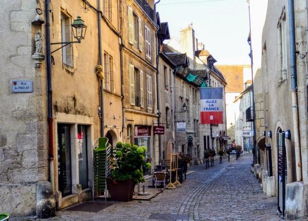Photo Dole - Dole Jura. Rue Pasteur.