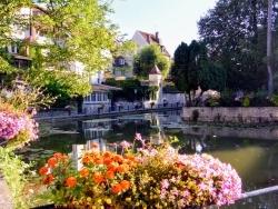 Photo paysage et monuments, Dole - Dole Jura. Canal des Tanneurs.Juillet 2018.