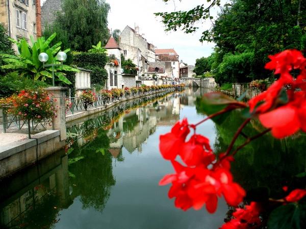 Photo Dole - Canal des tanneurs en été
