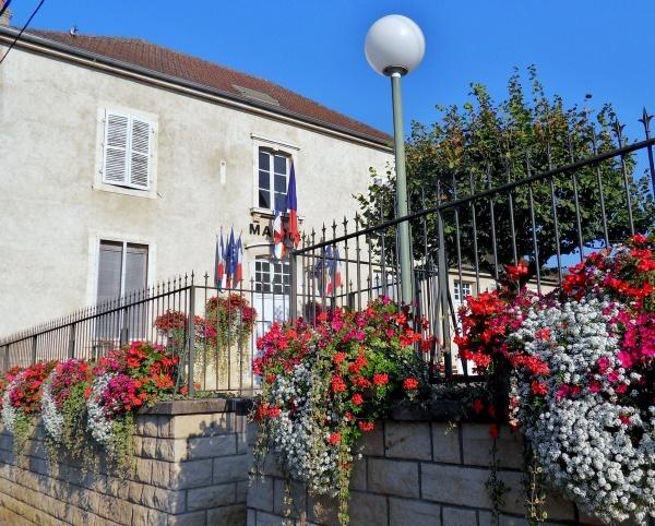 Photo Dole - Goux.Jura.Mairie.