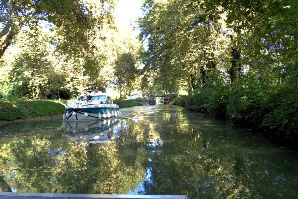 Photo Dole - Dole Jura-Canal du Rhône au Rhin ,été 2013.