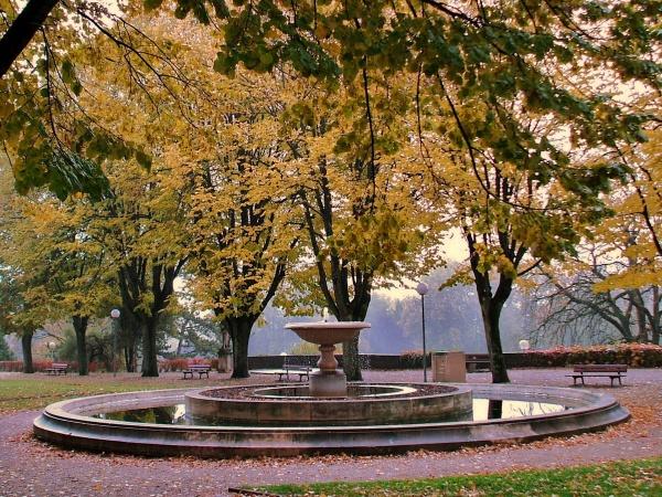 Photo Dole - Fontaine parc saint Mauris.