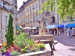 Photo paysage et monuments, Dole - Dole Jura - La place aux fleurs 2015.
