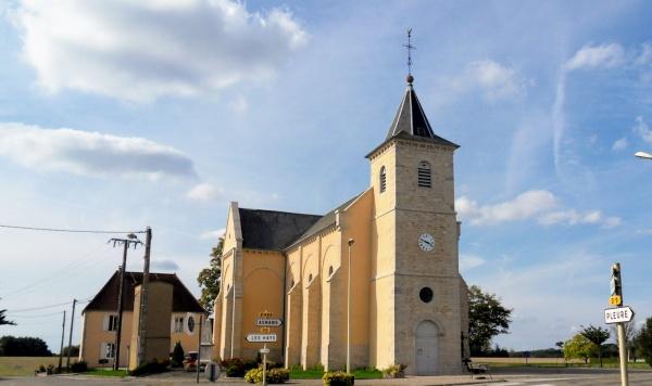 Les Essards-Taignevaux. Septembre 2017.Eglise.