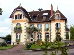 Photo paysage et monuments, Tavaux - Tavaux Jura-Mairie.Août 2014.