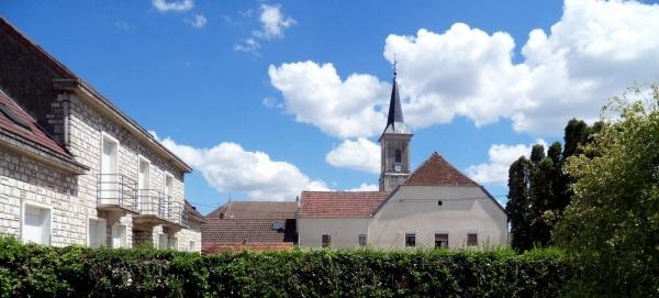 Photo Tavaux - Tavaux Village Jura. juillet 2020 B.