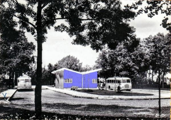 Tavaux Jura,  La gare bleue années 60.