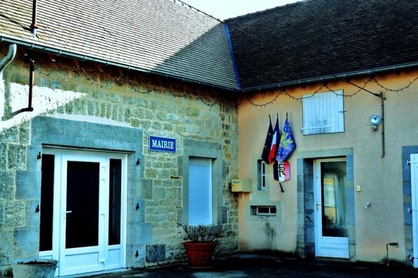 Photo Villers-les-Bois - Villers les bois-Mairie