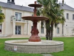 Photo paysage et monuments, Contres - la Fontaine