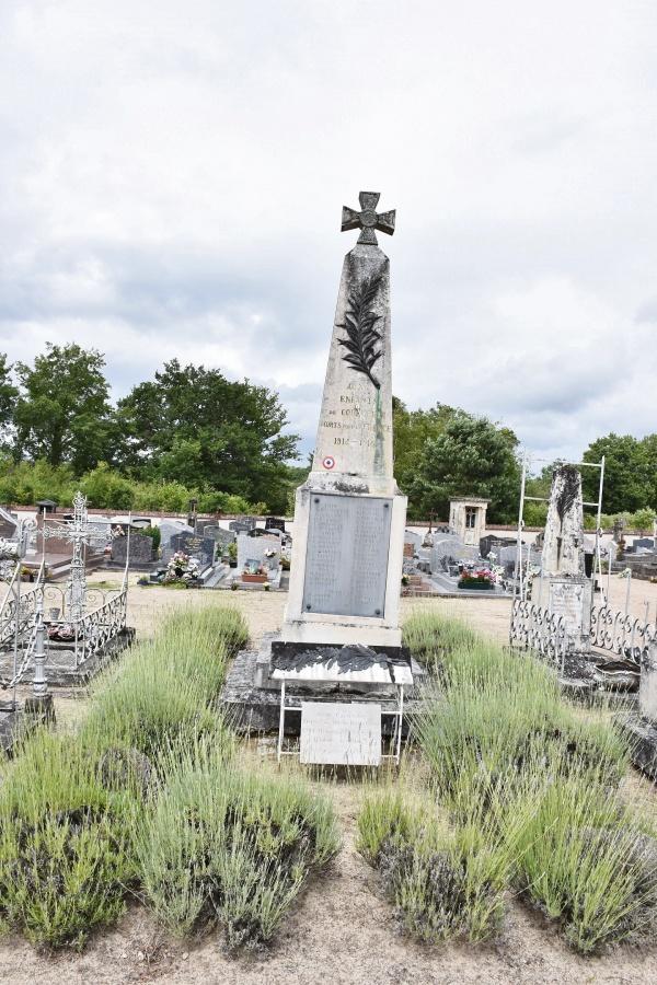 Photo Courmemin - le Monument Aux Morts