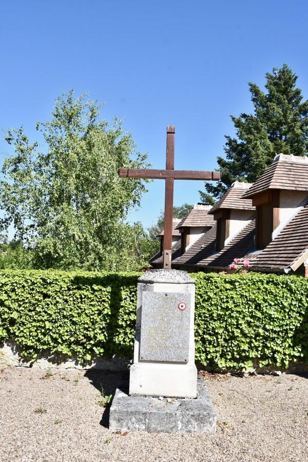 Photo Lassay-sur-Croisne - la Croix
