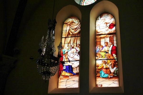 Photo Loudes - vitraux église saint hilaire