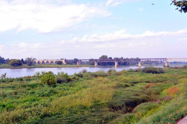 Gien Loiret - Viaduc ferroviaire.