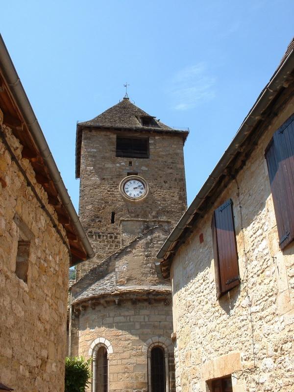 Photo Autoire - Église Saint-Pierre à Autoire
