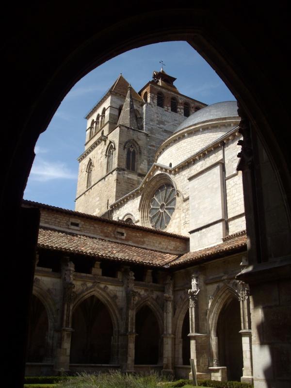 Photo Cahors - La cathédrale, clocher vu du cloître