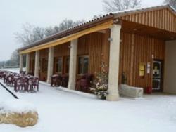 """Photo paysage et monuments, Le Vigan - le Vigan sous la neige """"restaurant les pieds dans l'plat, face au lac """""""