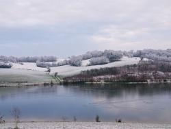 Photo paysage et monuments, Bajamont - Vue du lac sous la neige.