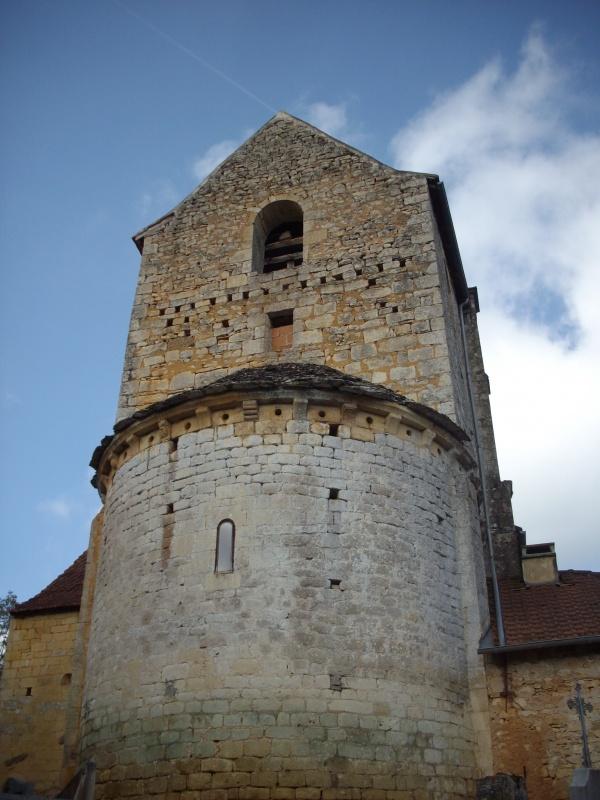 Photo Blanquefort-sur-Briolance - le chevet de l'église paroissiale