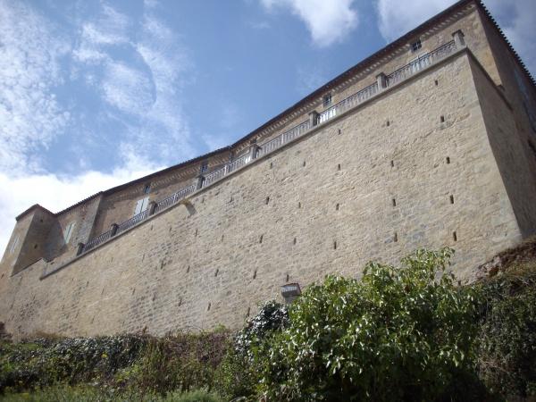 Photo Blanquefort-sur-Briolance - le château des Seigneurs de Blanquefort
