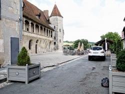 Photo paysage et monuments, Nérac - Nérac, la rue Henry IV et l'esplanade du château.