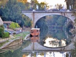 Photo paysage et monuments, Nérac - Le port de plaisance et le Pont Neuf