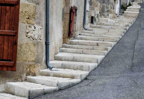 Photo Nérac - Nérac, l'escalier de la rue Gaujac.