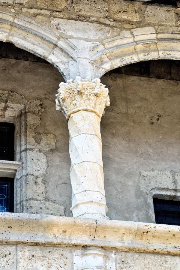 Nérac, un pilier du château