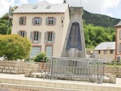 Photo paysage et monuments, La Canourgue - le monument aux morts