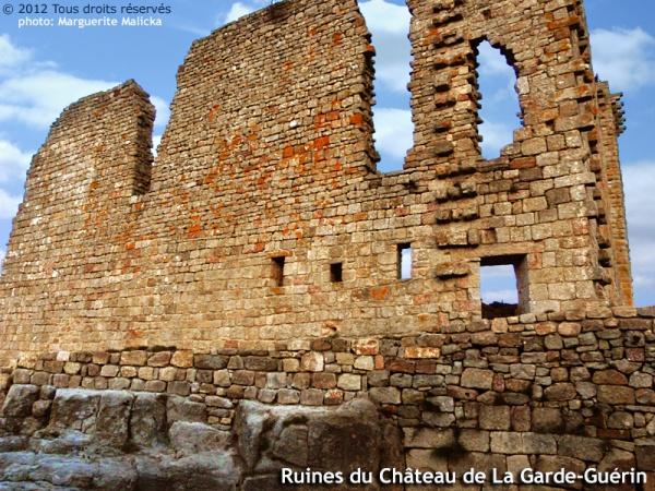 Photo Prévenchères - Ruines du Château de La Garde-Guérin.