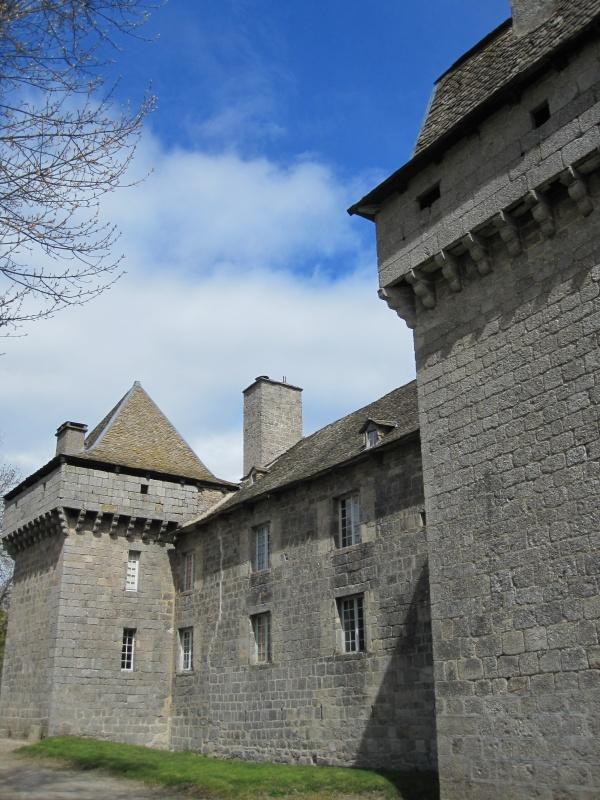 Photo Prinsuéjols - Le château de la Baume, surnommé le « Versailles du Gévaudan »