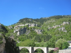 Photo paysage et monuments, Sainte-Enimie - Les gorges qui entourent Sainte-Enimie