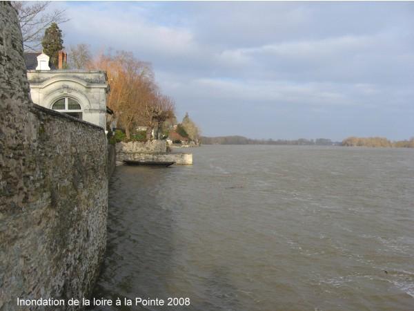 """Photo Bouchemaine - inondation de la loire à """"la pointe """" 2008"""