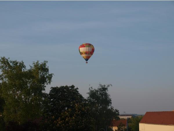Photo Tours-sur-Marne - mongolfiere 2011