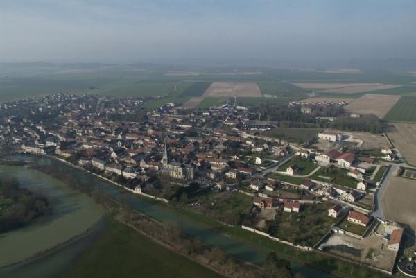 Photo Tours-sur-Marne - Vue aérienne du village