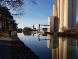 Photo paysage et monuments, Tours-sur-Marne - Le canal de la marne au Rhin
