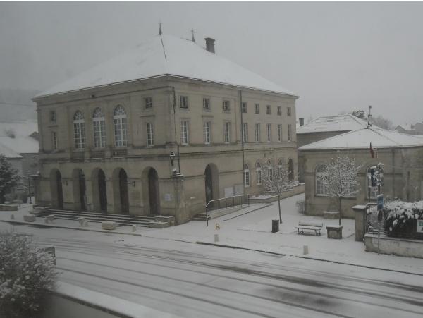 Il a neigé et il neige encore à DOULAINCOURT-SAUCOURT