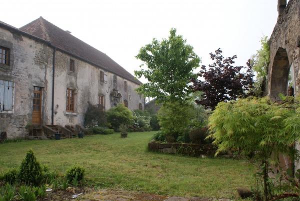 Photo Le Châtelet-sur-Meuse - Le Presbytère vu du jardin