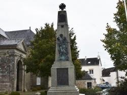 Naizin (56) - le monument aux morts
