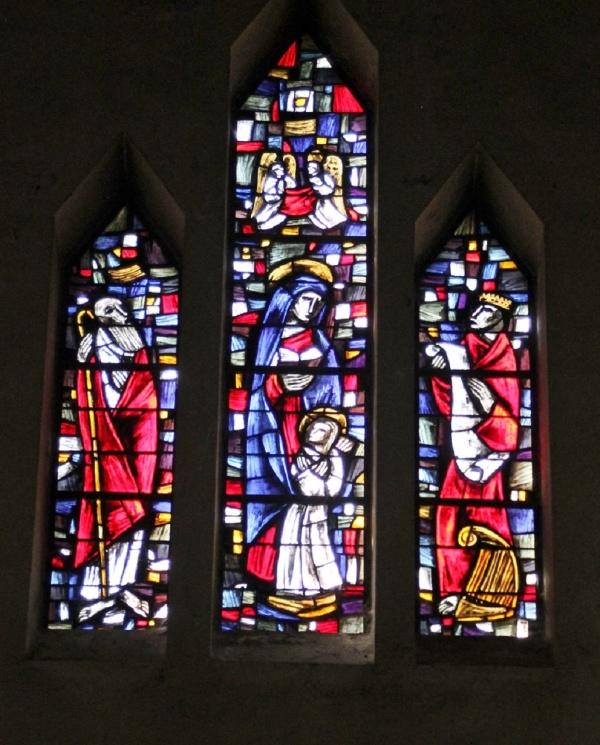 Vitraux abbaye saint Anne kergonan