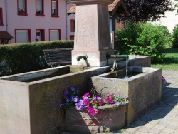Photo paysage et monuments, Coume - Fontaine du Village de Coume
