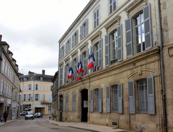 Photo Clamecy - Clamecy Nièvre - La Sous-Préfecture.