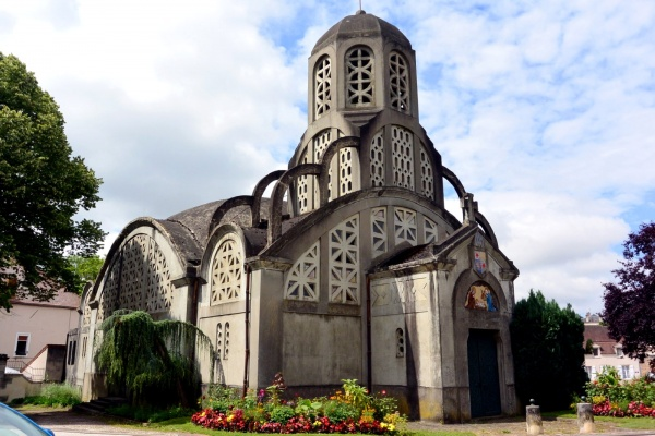 Clamecy Nièvre - Eglise notre-Dame de Béthléem.
