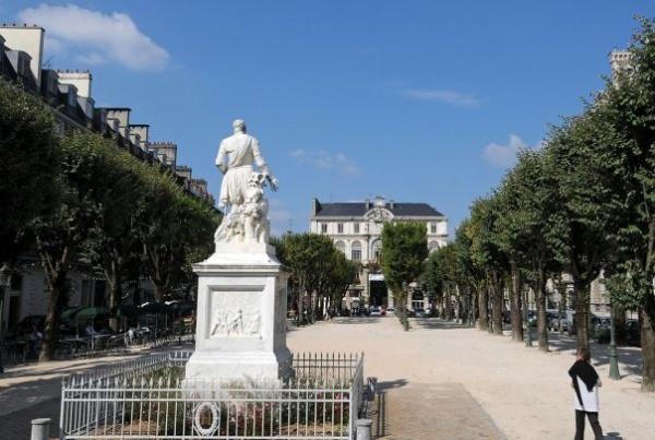 Photo Pau - Pau et la Place gramond